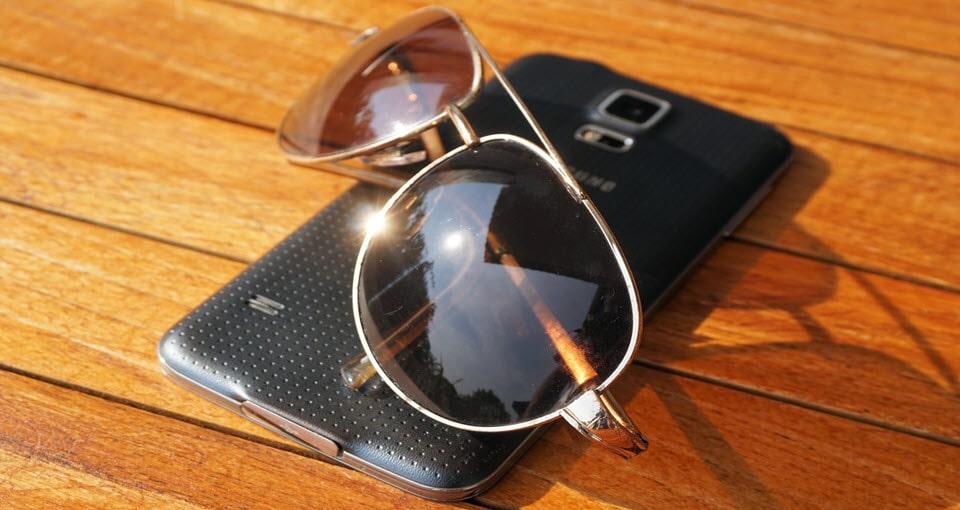 phone in hot sun